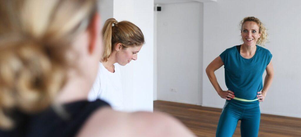 Im rund∞fit Blog findest du Workouts, Motivation und alles rund um Sport in der Schwangerschaft, Rückbildung, Fitness im Mama-Alltag, Ernährung. Mütter im Gespräch