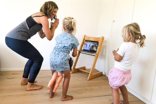 Trainingsprogramm busyMUM - für Mütter mit wenig Zeit: Egal wie hektisch dein Mama-Alltag ist. Für diese kurzen knackigen Workouts findest auch zu Zeit. Training auch mit Kindern möglich.