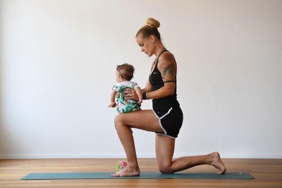 mama mit baby rueckbildung